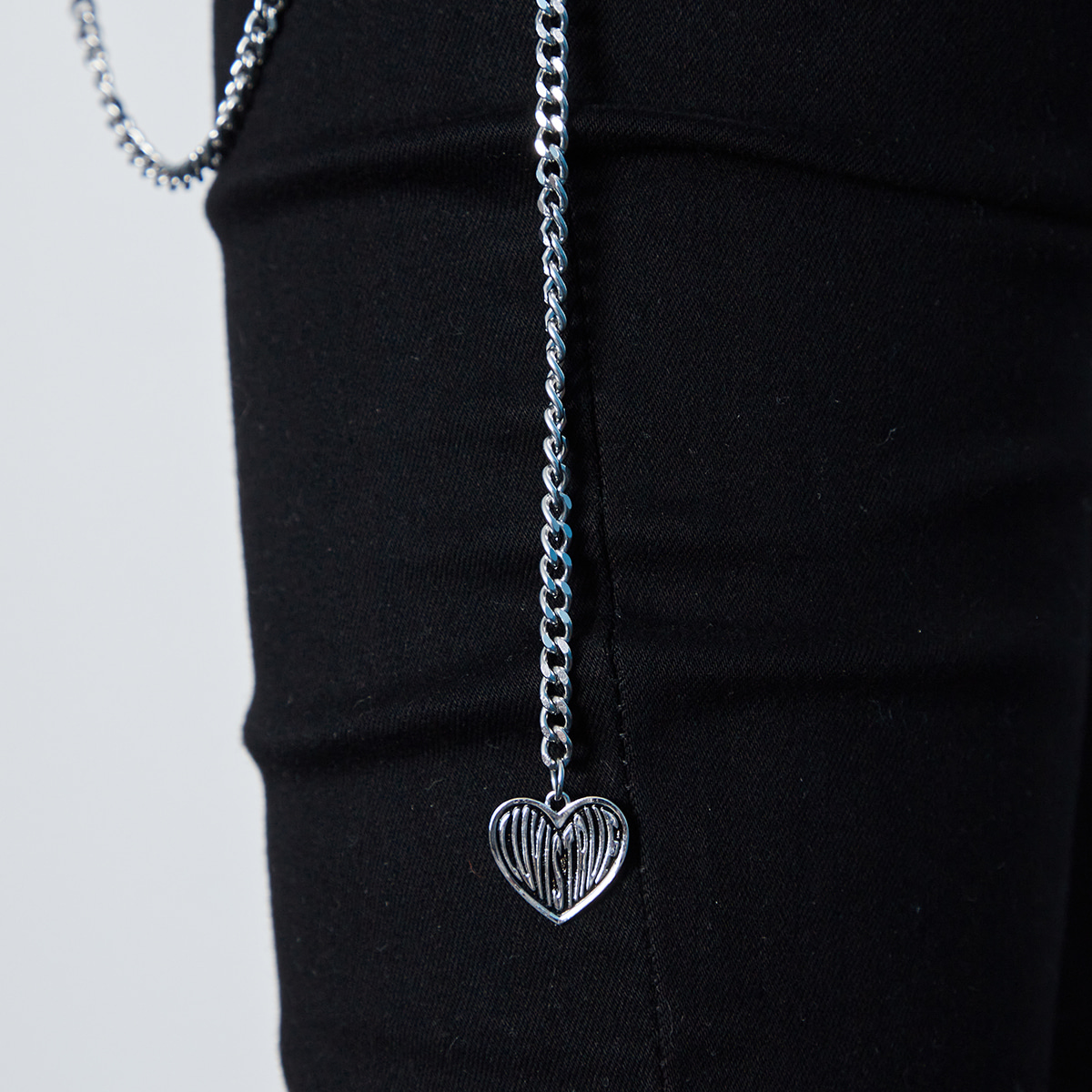IN HEART PENDANT CHAIN (SILVER)