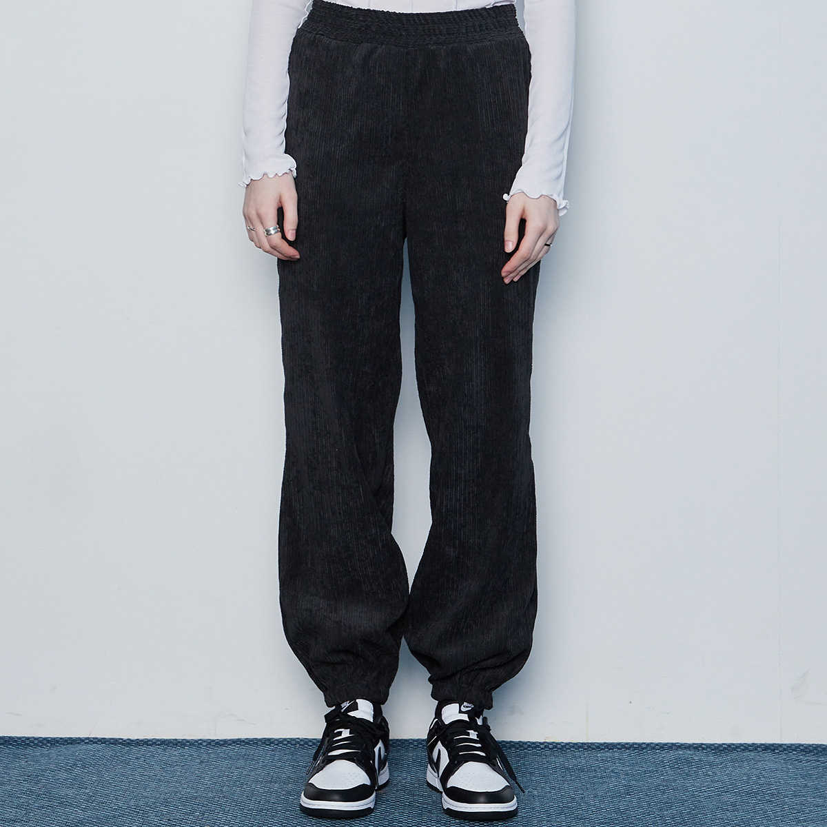 IN JOGGER PANTS(BLACK)